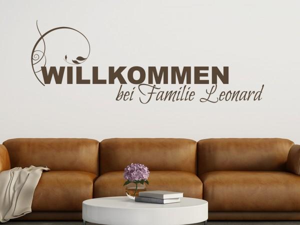 """Wunschname-Wandtattoo Wohnzimmer """"Willkommen bei Familie Wunschname"""""""